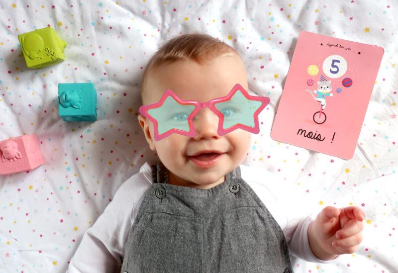 cartes étapes premiers mois bébé petits et grands progrès découvertes papeterie cadeau naissance souvenirs kit