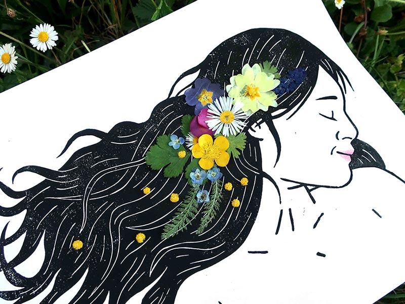 linogravure fleurs séchées pressées portrait bucolique femme couleurs tableau végétal floral champs et jardin la nature est belle illustration land art décoration originale